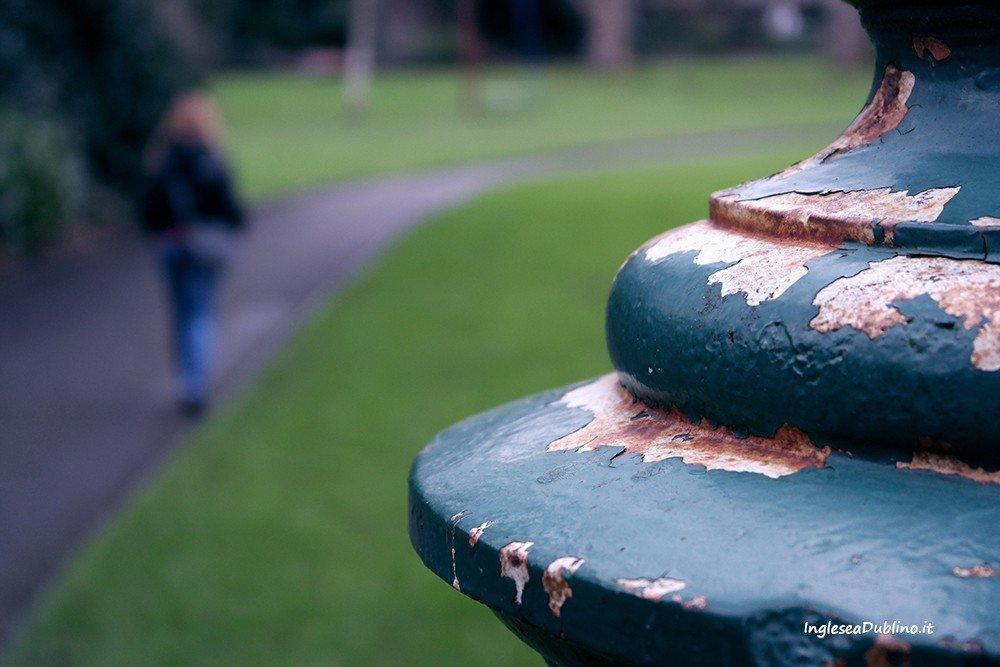 Dettagli presso il parco di Merrion Square a Dublino