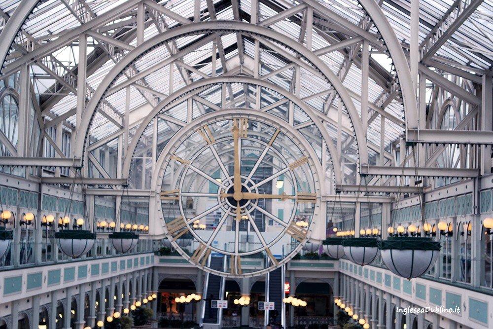 Il caratteristico Orologio dello Shopping Centre di Dublino